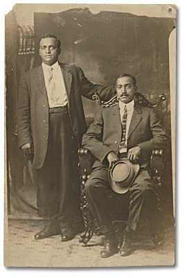 Photographie : Brothers Thomas et Charles Thompson, [vers 1925]