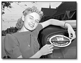 Photographie :  Woman with 50/50 Car – gasoline pledge, 1941