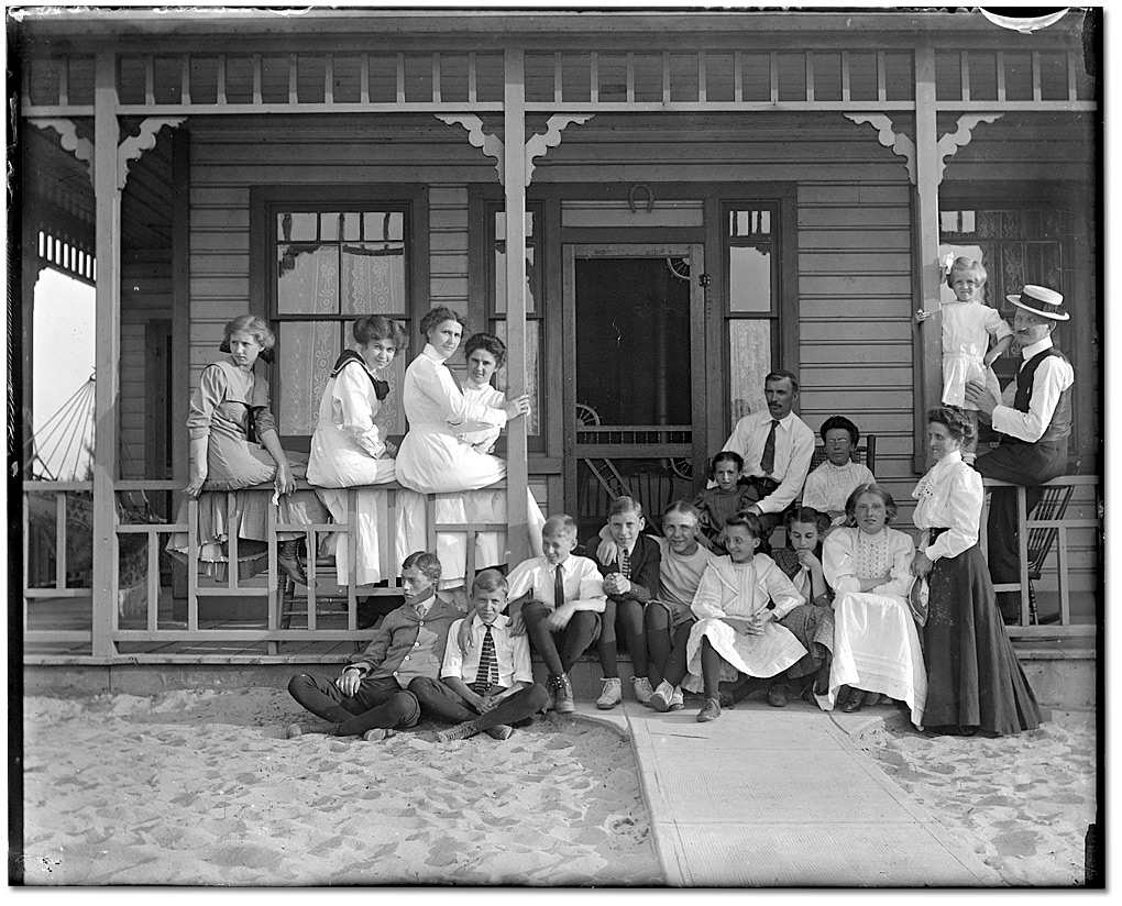 Photo: Murphy family and friends at Hanlan's Point, Toronto Island, [ca.