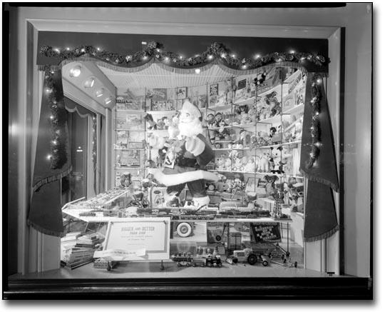 Eaton S Window Displays
