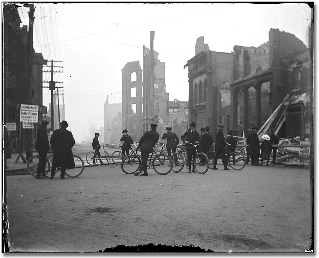Photographie : Aftermath of the Toronto Fire, [1904]