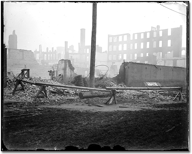 Photographie : Aftermath of the Toronto (?) Fire, [1904] (2)