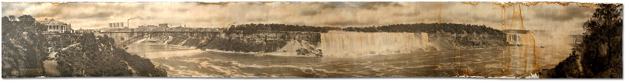Photographie : Wm. Thomson Panoramas de Freelands - Niagara Falls Summer Panorama