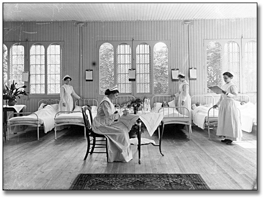 Photo: Female infirmary at the Hospital for the Insane, Toronto, [ca. 1910]