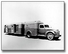 Photo: Ontario Department of Health Mobile Tuberculosis Testing Clinic, [ca. 1955]