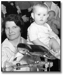 Photo: Well baby clinic, Hamilton, [ca. 1930] (detail)