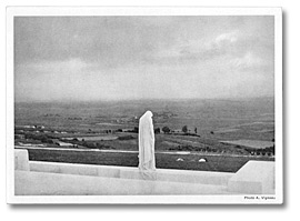 Carte postale: Weeping Woman Statue at the Vimy Memorial