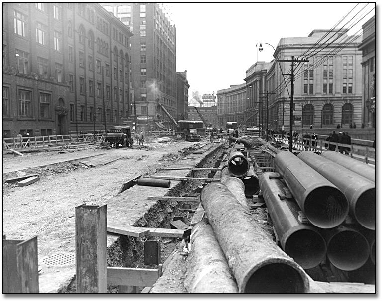 Photographie : Subway excavation in front of Union Station, 1959