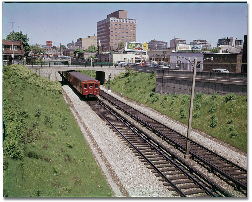 Photographie : Subway train, near Yonge and Eglinton Sts., Toronto, 1960