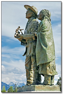 Photo: Statue of David and Charlotte Thompson from Invermere, British Columbia
