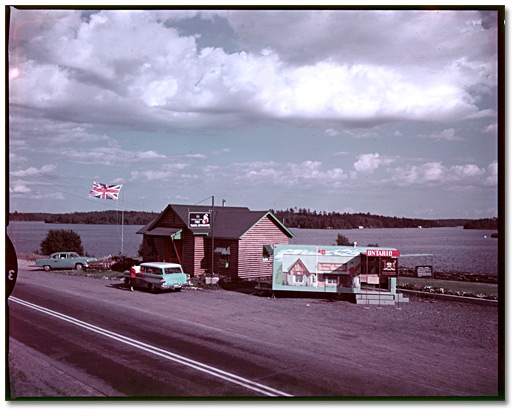 Photographie : Centre de réception, Kenora, 1958