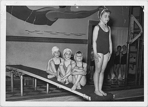 Children learning to dive, [between 1950 and 1970]