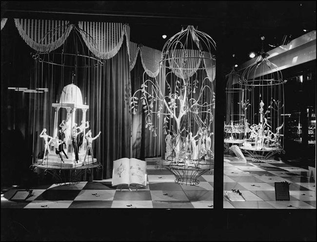 Twelve Days of Christmas display window, 1959