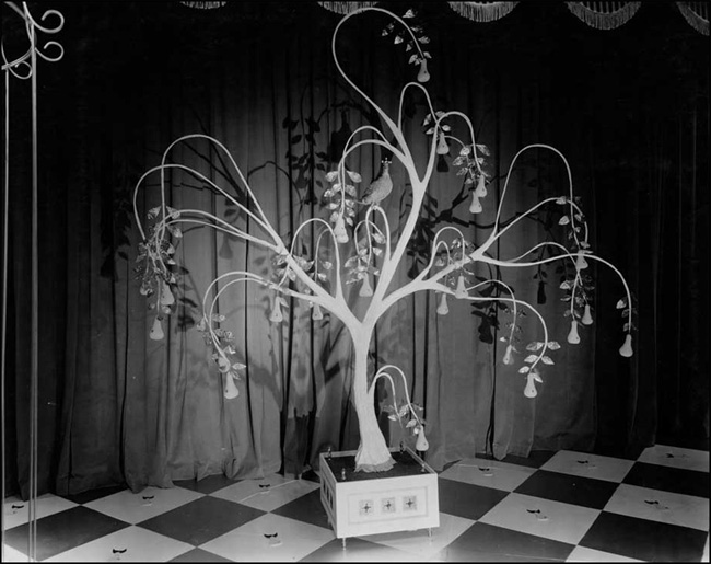Partridge in a Pear Tree, Twelve Days of Christmas display, 1959