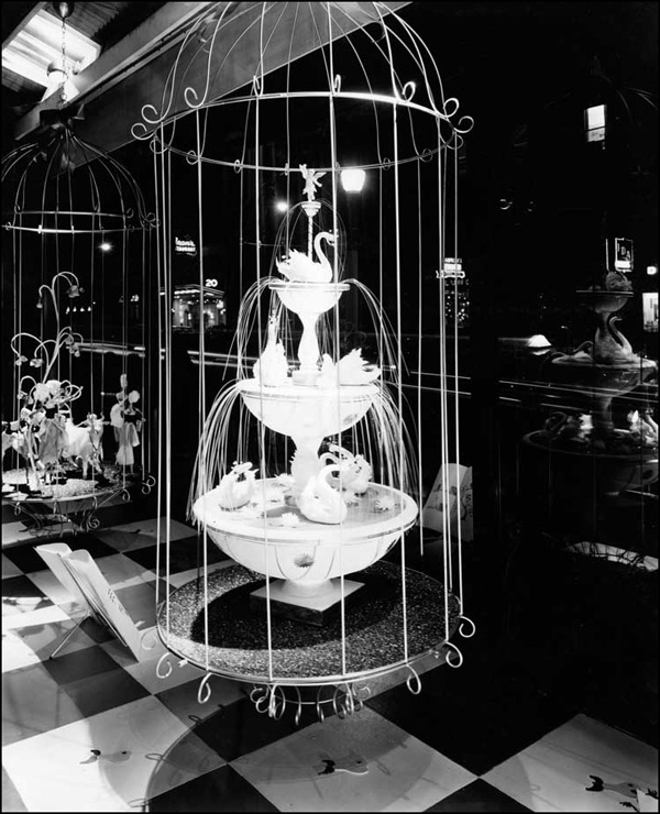 Seven Swans a-Swimming, Twelve Days of Christmas display, 1959