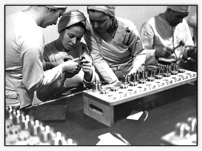 Women working at the General Engineering Company (Canada) munitions factory